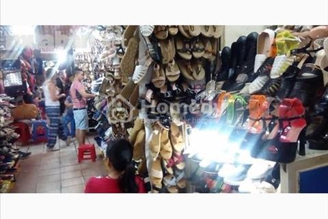 Cần sang nhượng lại kiot sạp cửa tây trong chợ Bến Thành, quận 1, chủ quyền vĩnh viễn