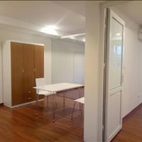 Cho thuê căn hộ 2 phòng ngủ đầy đủ tiện nghi sàn gỗ diện tích 65m2 mặt phố Đông Các