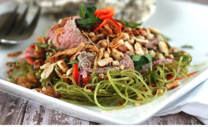 Đổi vị với món nộm rau muống thịt bò chua ngọt dễ ăn ngày hè
