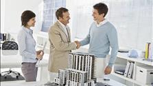 Có nên mua nhà qua sàn giao dịch bất động sản?